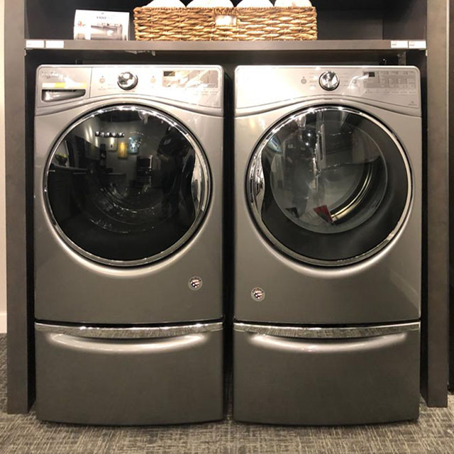 Top Notch Appliance Repair services laundry washing machines and dryers in Lake Ridge, Fairfax Station, Lansdowne, Falls Church, Potomac, and  Warrenton.